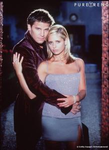449180-buffy-amp-angel-dans-buffy-contre-637x0-4